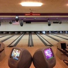 Photo taken at Diversey River Bowl by Paul D. on 4/29/2012