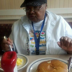 Photo taken at IHOP by Merle C. on 9/2/2012