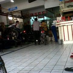 Photo taken at AHASS Tongan by Shalahuddin M. on 2/17/2012