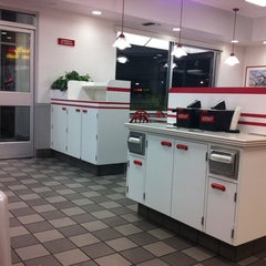 Photo taken at In-N-Out Burger by Aleks K. on 12/28/2010