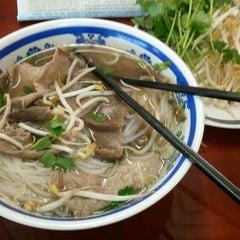 Photo taken at Saigon Vietnamese Restaurant by Melissa P. on 7/2/2012