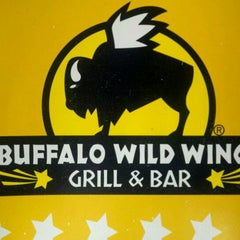 Photo taken at Buffalo Wild Wings by Kevin E. on 8/31/2011
