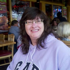 Photo taken at Applebee's by Elizabeth L. on 11/9/2011
