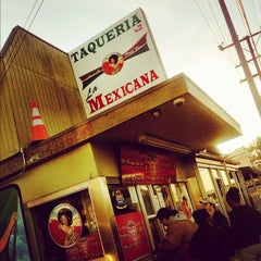 Photo taken at Taqueria La Mexicana by Nguyen D. on 12/5/2011