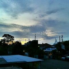 Photo taken at Stasiun Pondok Cina by fiki k. on 1/22/2012