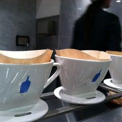 Photo taken at Blue Bottle Coffee by Stephanie K. on 5/13/2012