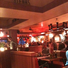 Photo taken at Frankie & Bennys by Claire R. on 4/1/2011