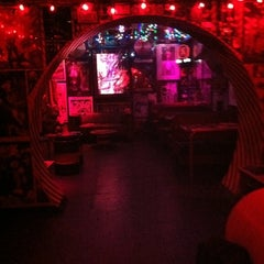 Photo taken at Duff's by Will T. on 9/22/2011