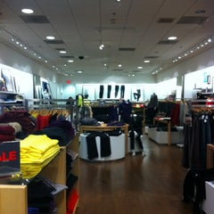 Photo taken at Gap by Arys D. on 12/31/2011