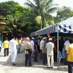 Photo taken at Masjid Al-Mukminun by Termizi S. on 11/6/2011