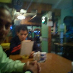 Photo taken at Marisqueria Mar y Tierra by Jose Pablo O. on 10/1/2011