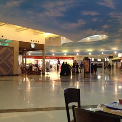 Photo taken at Mall of Dhahran | مجمع الظهران by Mohammed A. on 5/7/2012