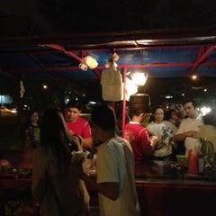 Photo taken at Raimundo Hot Dog by Renato C. on 1/8/2012