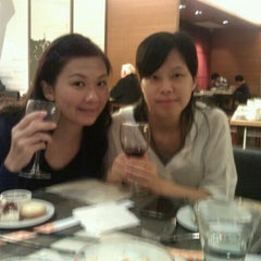 Photo taken at Novotel Hong Kong Nathan Road Kowloon 香港九龍諾富特酒店 by Freda W. on 10/19/2011