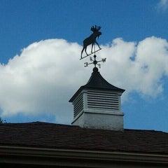 Photo taken at Stoney Creek Inn by Rebecca B. on 8/16/2011