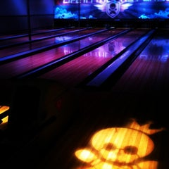 Photo taken at East Village Tavern+Bowl by Anita H. on 1/28/2012