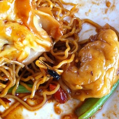 Photo taken at Taman Jurong Market & Food Centre by Addictive L. on 9/25/2011