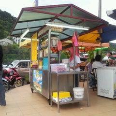 Photo taken at Restoran Choice by Nizam K. on 3/8/2012