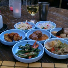 Photo taken at Domo Japanese Country Foods Restaurant by Rich on 6/2/2012