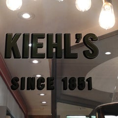 Photo taken at Kiehl's by 'Johnson Rualo H. on 5/24/2012