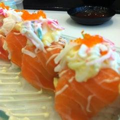 Photo taken at Octopus Sushi Bar & Thai by Lina M. on 9/9/2012