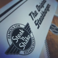 Photo taken at Steak 'n Shake by Chuck G. on 2/20/2012