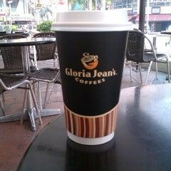 Photo taken at Gloria Jeans Coffees Bukit Bintang Plaza (GJC BB Plaza) by Milka V. on 6/16/2012