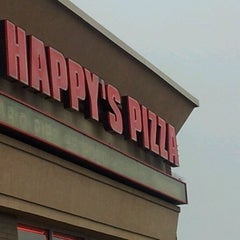 Photo taken at Happy's Pizza by Paul D. on 2/22/2012