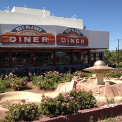 Photo taken at Red Planet Diner by Leslie B. on 6/14/2012