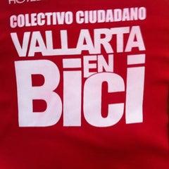 Photo taken at Via Nocturna by Fernando C. on 4/12/2012