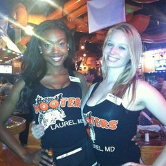 Photo taken at Hooters by Orlando R. on 9/17/2011