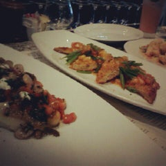 Photo taken at BRAVO! Cucina Italiana by Edward M. on 8/27/2012