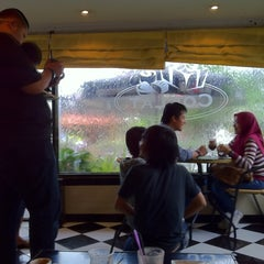 Photo taken at Coklat Cafe by akbary s. on 4/22/2011