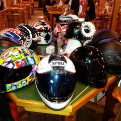 Photo taken at Hooters of Fremont by Ferdinand Z. on 5/11/2012