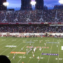 Photo taken at Stade Percival-Molson Memorial Stadium by L.A. L. on 7/1/2011