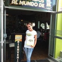 Photo taken at Las Fabulosas Papas by Karim B. on 7/30/2011