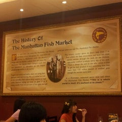 Photo taken at The Manhattan Fish Market by Weng L. on 6/25/2012