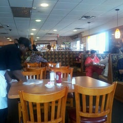 Photo taken at Flashback Diner & Coffeehouse by Bianca B. on 6/25/2012
