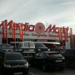 Photo taken at Media Markt by Angel T. on 11/8/2011
