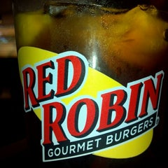 Photo taken at Red Robin Gourmet Burgers by Dan T. on 7/30/2012