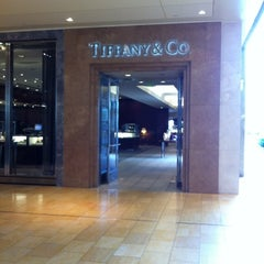 Photo taken at Tiffany & Co. by Lourdes L. on 8/31/2012