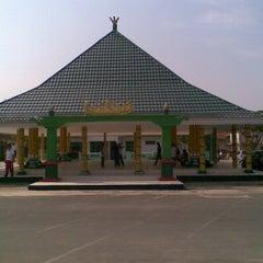 Photo taken at Pendopo Pringsewu by Darminto on 12/6/2011