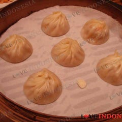 Photo taken at Din Tai Fung by Love Indonesia on 7/26/2011