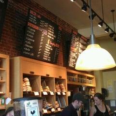 Photo taken at Pavement Coffeehouse by Hiroki M. on 9/3/2011