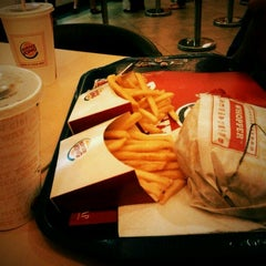 Photo taken at Burger King by Christo H. on 10/29/2011