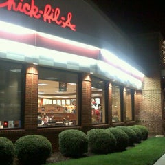 Photo taken at Chick-fil-A by Chuck C. on 12/1/2011