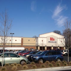 Photo taken at BJ's Wholesale Club by Jason H. on 1/7/2012