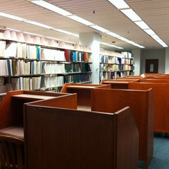 Photo taken at Research Assistance at Snell Library Northeastern University by Totsaporn I. on 8/13/2011