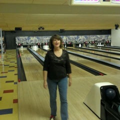 Photo taken at Digger's College City Bowl by Matt D. on 11/13/2011