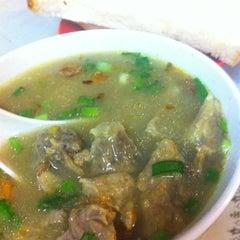 Photo taken at Restoran Sup Hameed by Patrick Y. on 7/6/2012